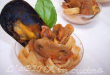 Tagliatelle integrali con cozze, funghi e pinoli