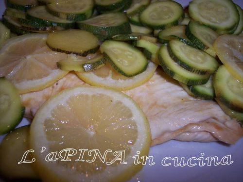Petto di pollo al limone con le zucchine