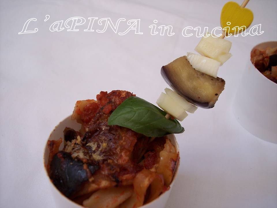 Tagliatelle al forno con melanzane e scamorza 2