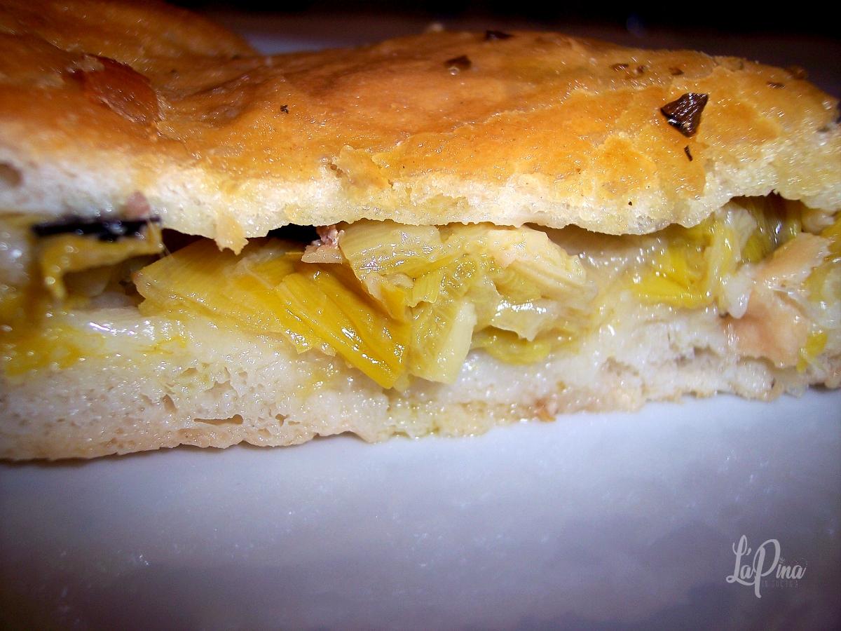 Pizza con porri, alici ed olive 4