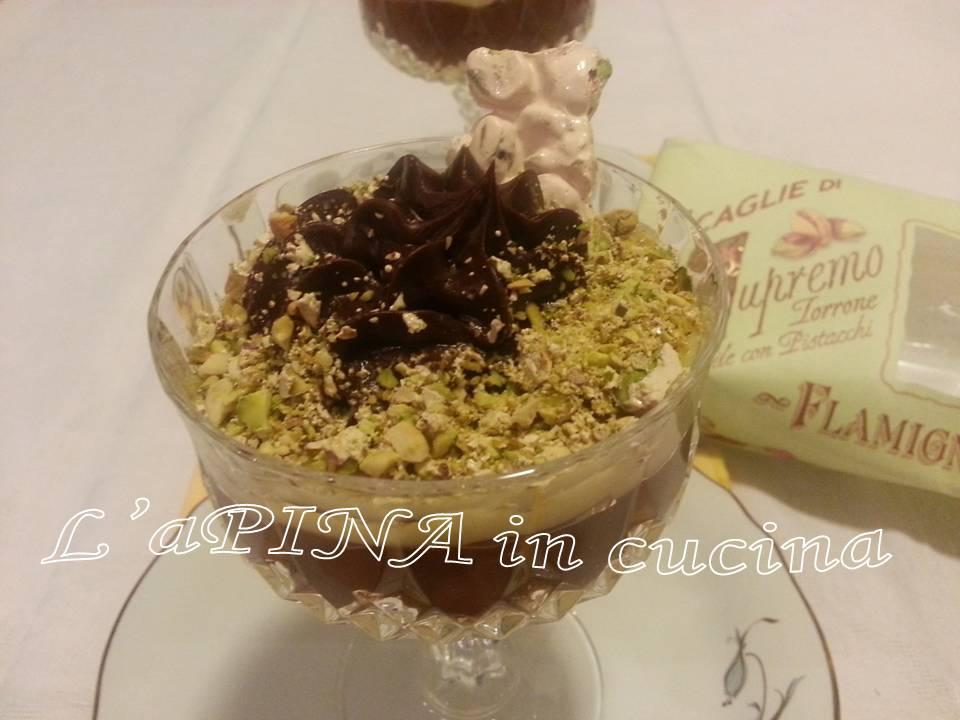 Crema con cioccolato e torrone al pistacchio