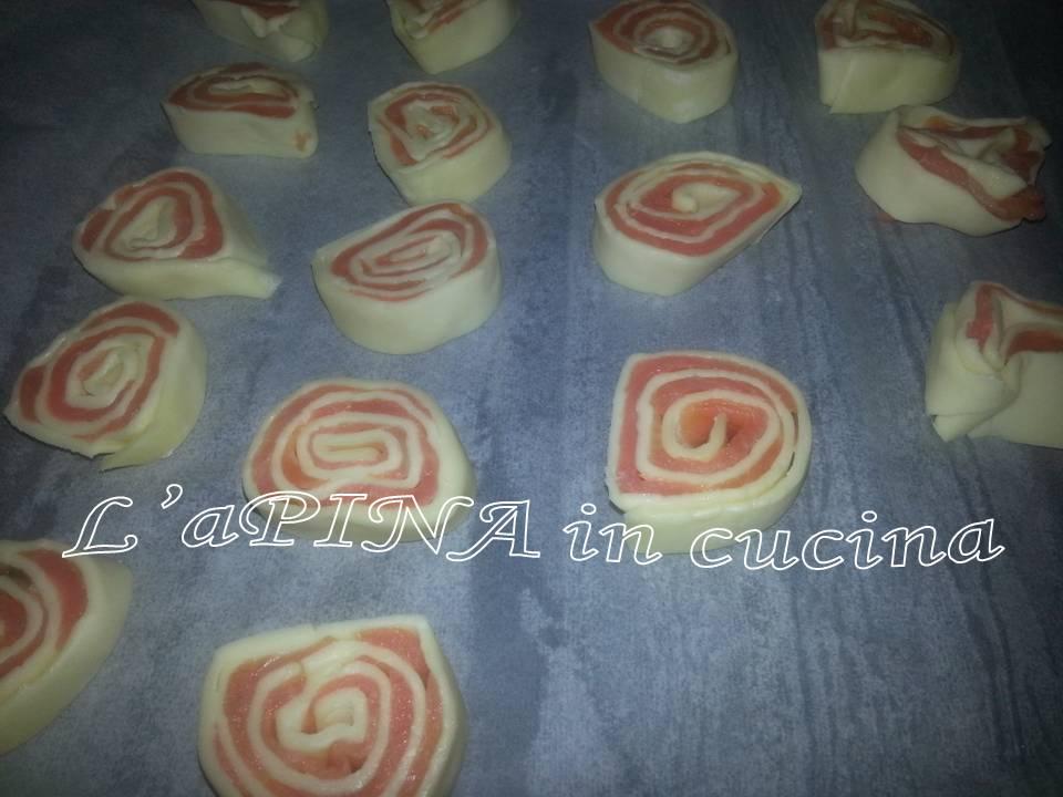 Girelle di sfoglia e salmone 1