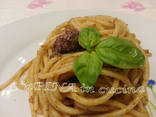 Spaghetti al pesto di pomodori secchi