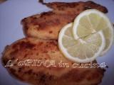 La cotoletta di pollo leggera al forno è un'ottima alternativa alla classica cotoletta per chi vuole mantenersi leggero senza però rinunciare al gusto