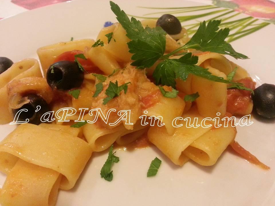 pasta con la coda di rospo e le olive nere
