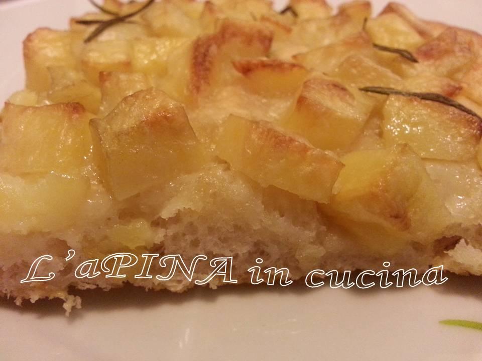 Focaccia con le patate - ricetta con lievito madre - L'aPINA in cucina