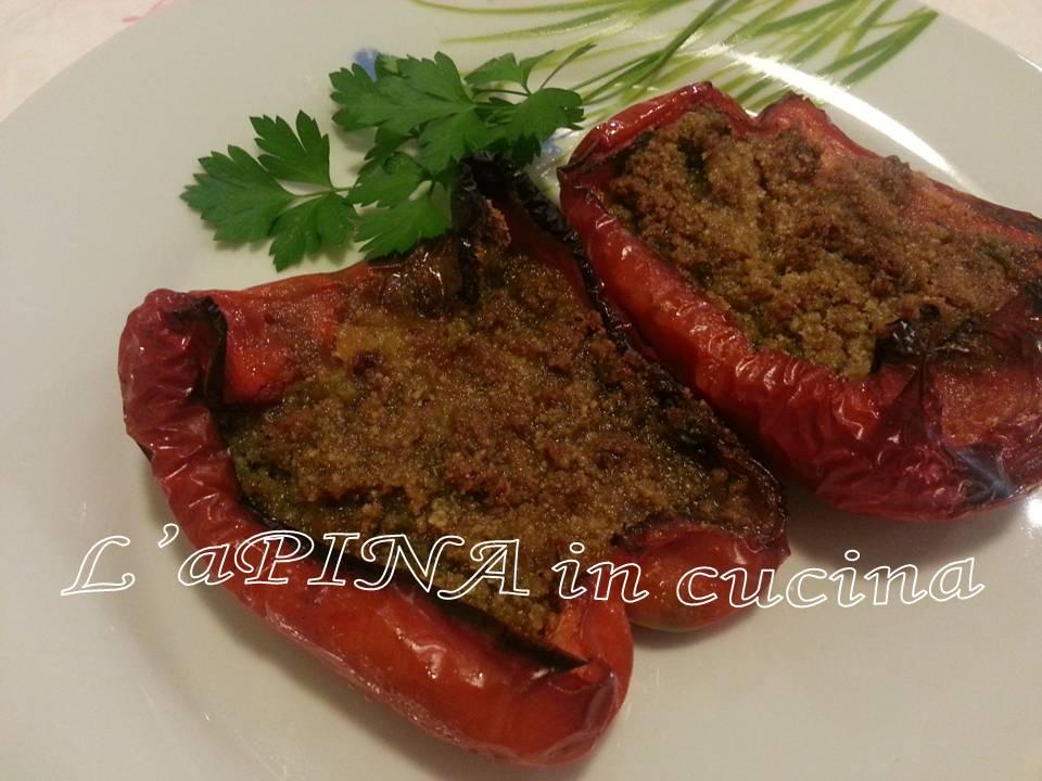 Peperoni ripieni tonno e capperi - L'aPINA in cucina