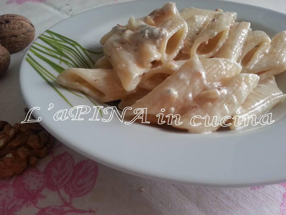 Pasta gorgonzola e noci - L'aPINA in  cucina