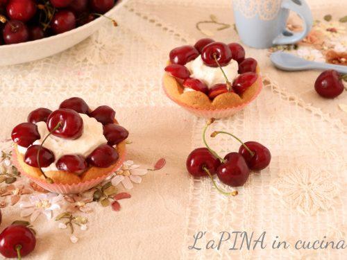 Cestini di frolla con ciliegie e crema di ricotta