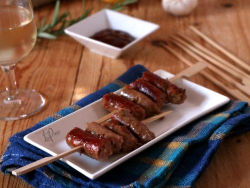 Salsiccia al vino bianco con rosmarino