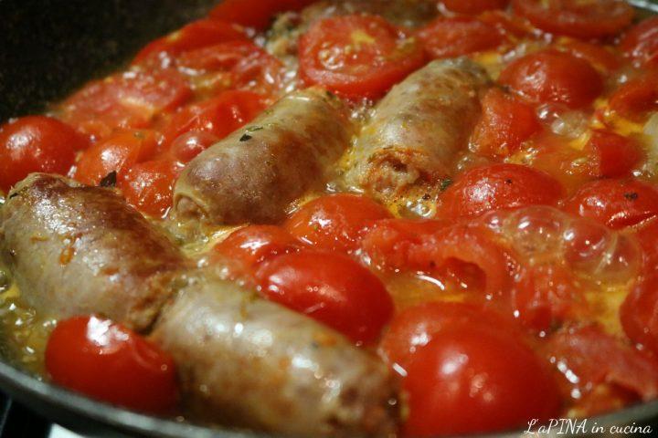 Salsiccia con pomodorini e origano 3_L'aPINA in cucina
