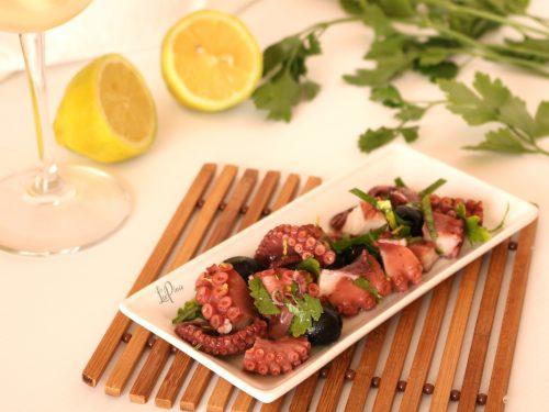 Insalata di polpo e olive nere