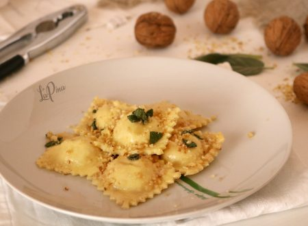 Ravioli freschi con ricotta e noci