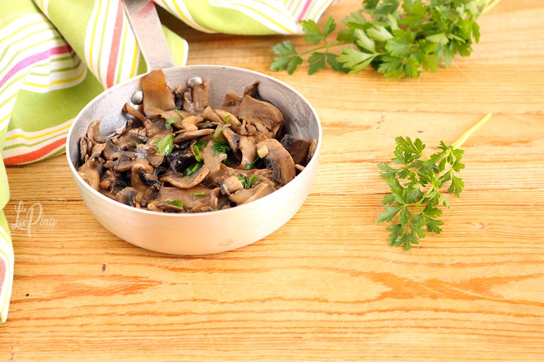 Funghi trifolati - l'aPina in cucina