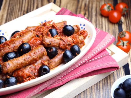 Salsiccia con pomodorini e olive