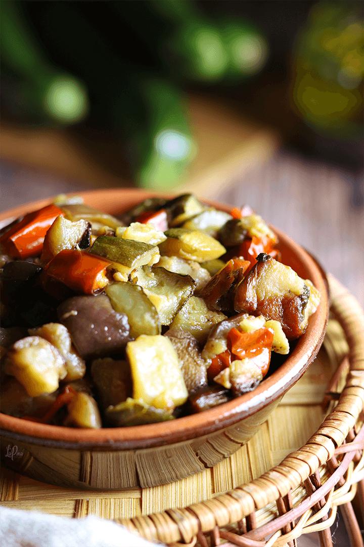 Melanzane, zucchine e peperoni al forno   l'aPina in cucina
