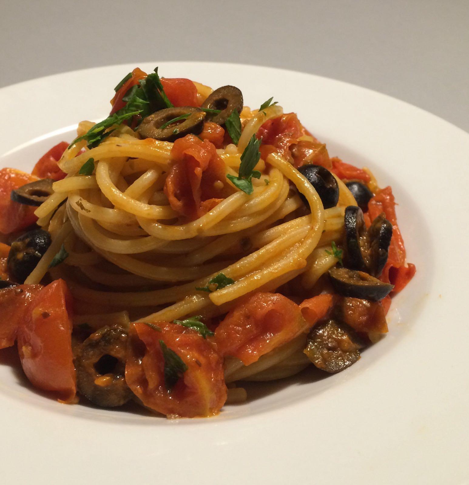 STASERA ESCORT (** Gli Spaghetti alla Puttanesca **)
