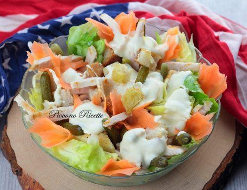 Caesar salad con straccetti di pollo