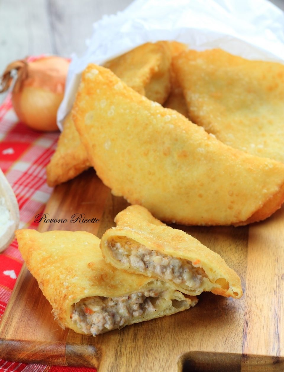 panzerotti con carne macinata