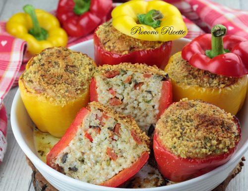 Peperoni ripieni di riso e tonno con granella di taralli