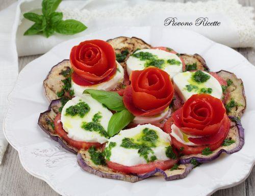 Caprese in fiore con melanzane e salsa al basilico