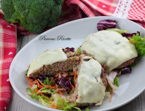 Hamburger di tacchino e broccoli con formaggio filante