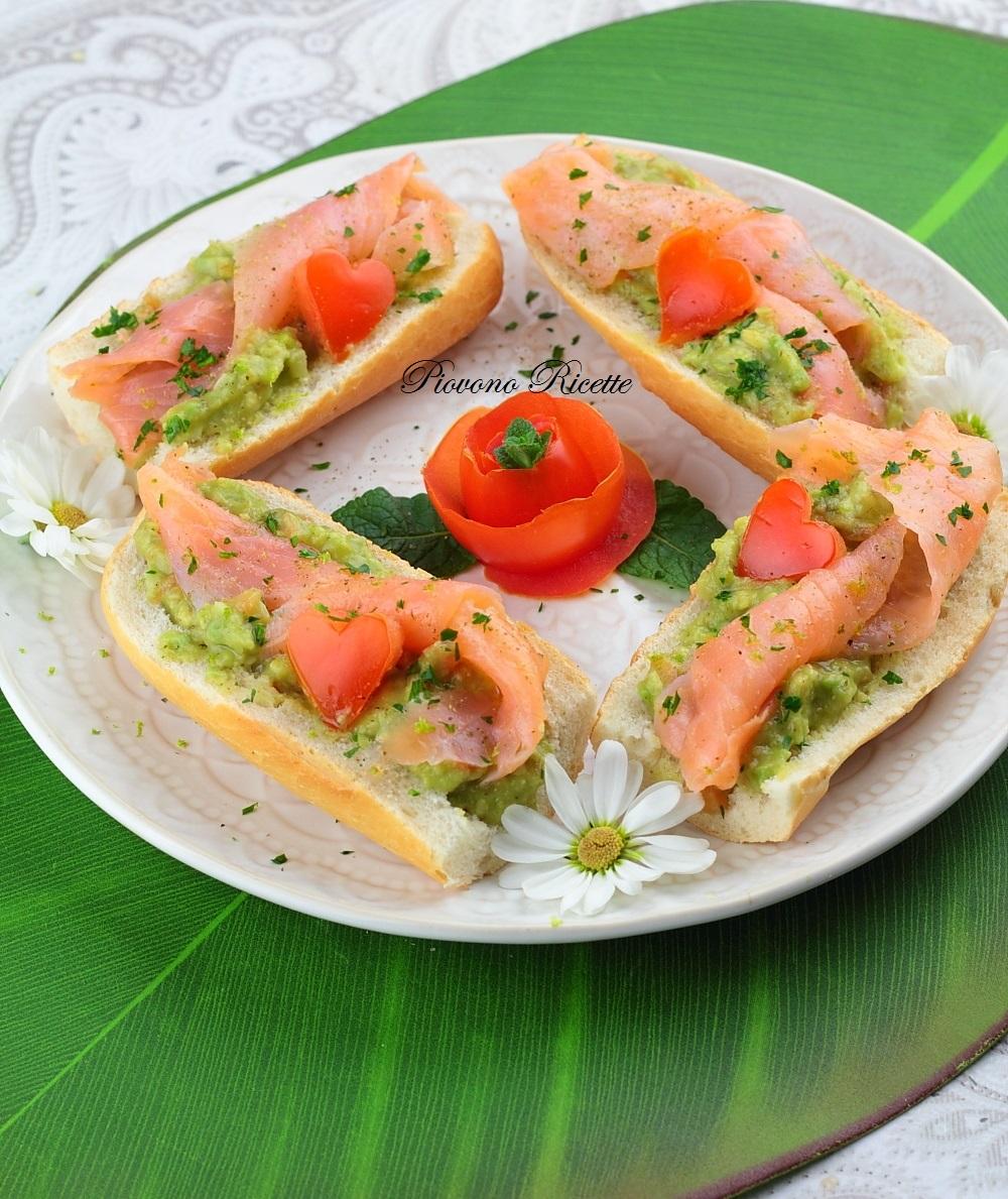 Ricetta Guacamole E Salmone.Bruschette Al Salmone E Guacamole Piovono Ricette