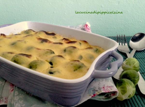 Cavoletti al gratin in salsa mornay di Montersino