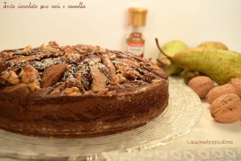 Torta di cioccolato pere e cannella