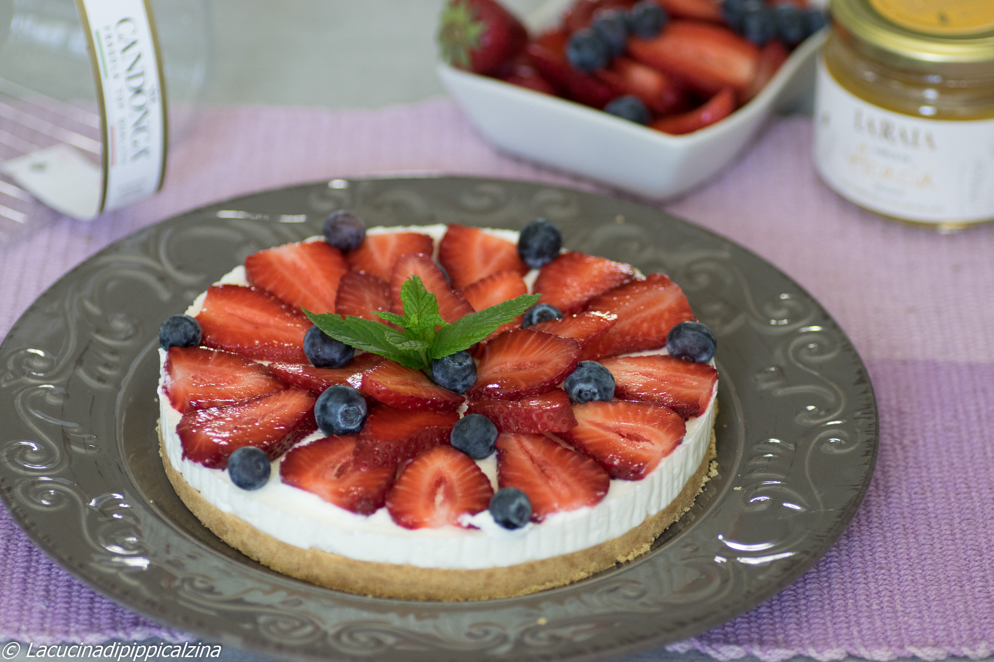 Cheesecake fragole e mirtilli,senza cottura