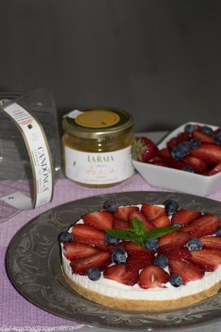 Cheesecake fragole e mirtilli,senza cottura