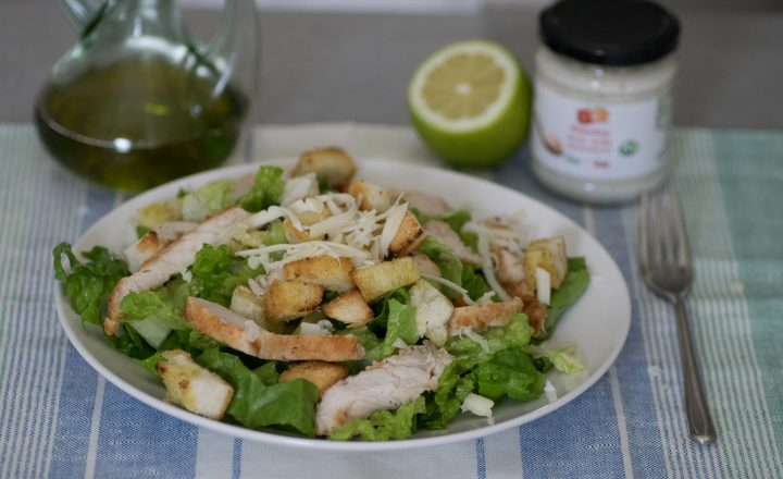 Caesar salad, insalata al pollo