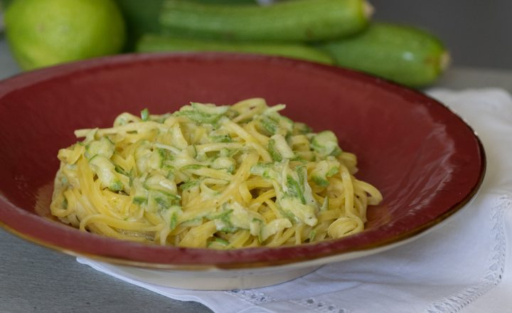 Tagliolini cremosi alle zucchine e limone