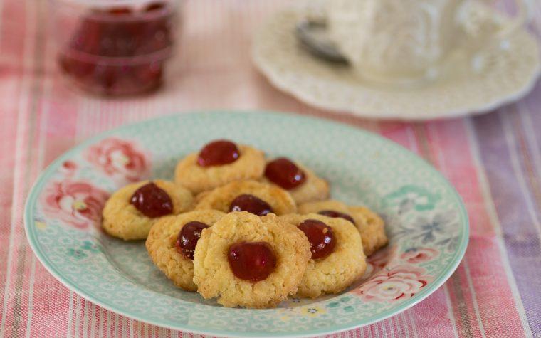 Biscotti boccucce d'angelo alle ciliege