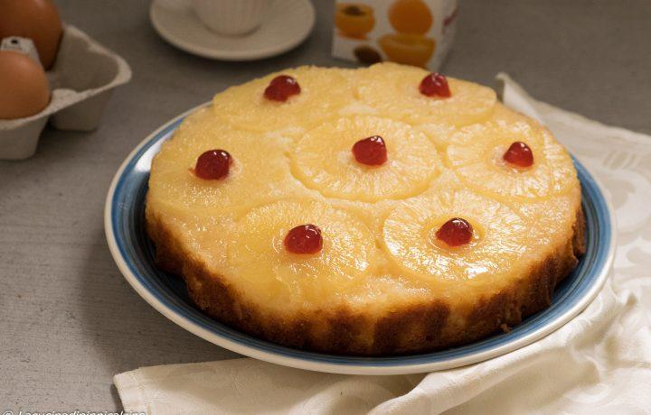 Torta rovesciata con ananas e yogurt