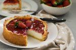 Crostata di ricotta e marmellata di fragole
