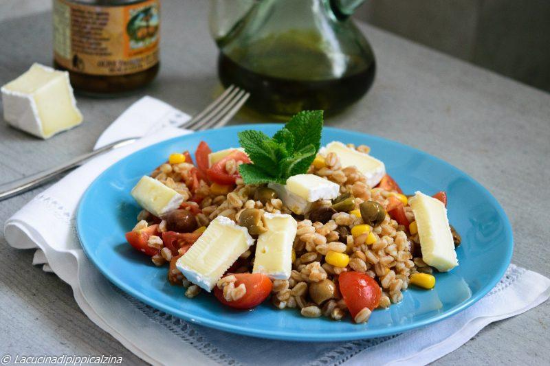 Farro freddo con olive taggiasche e brie