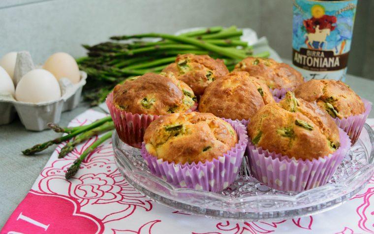 Muffin salati asparagi e prosciutto