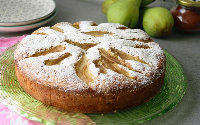 Torta soffice con pere e mascarpone