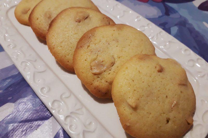 Biscotti velocissimi alle arachidi