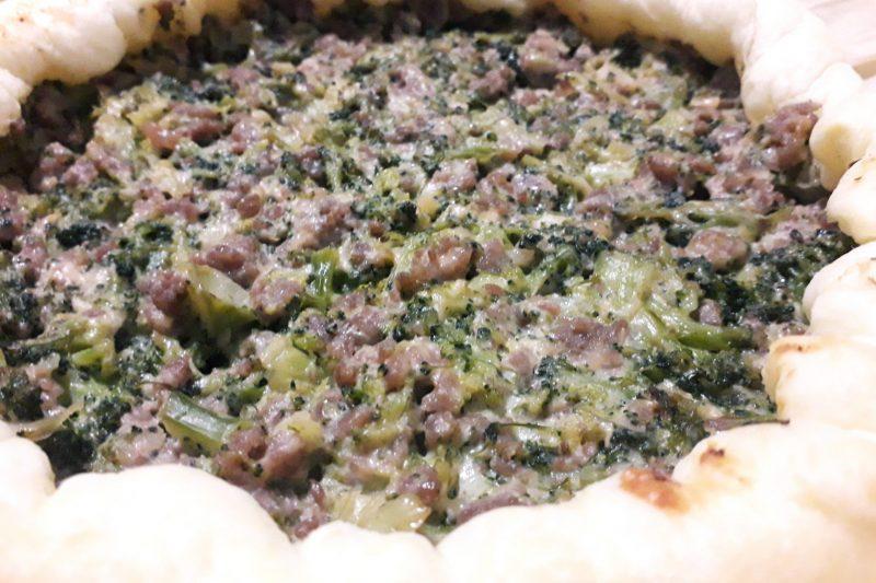 Torta rustica con salsiccia e broccoli