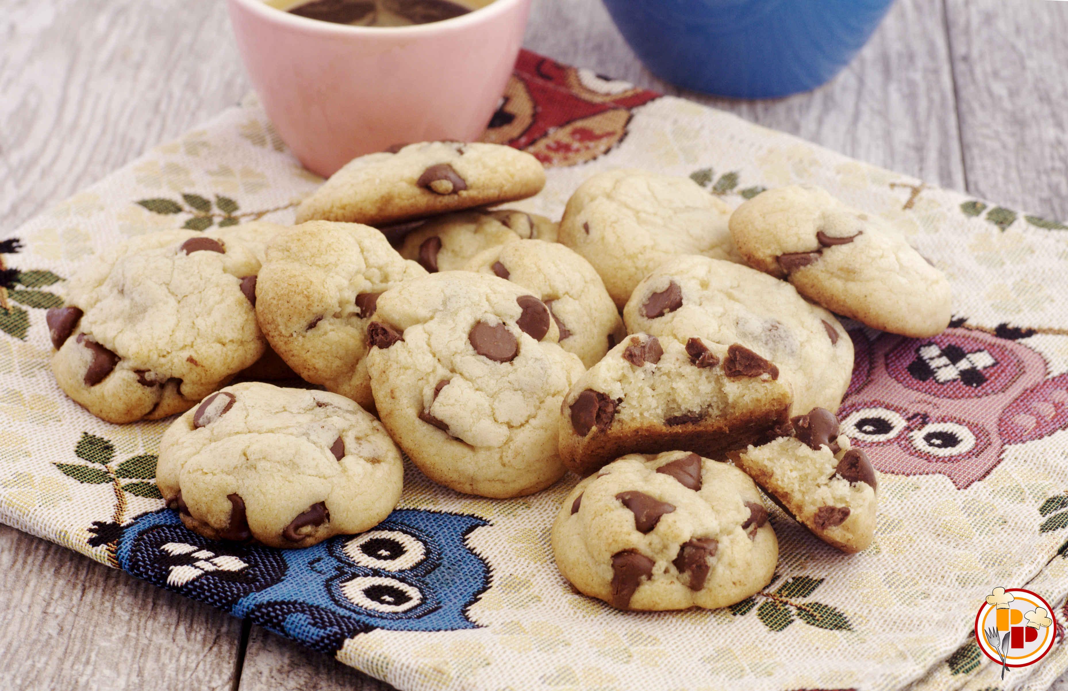 Cookies Tradizionali Americani con Gocce di Cioccolato