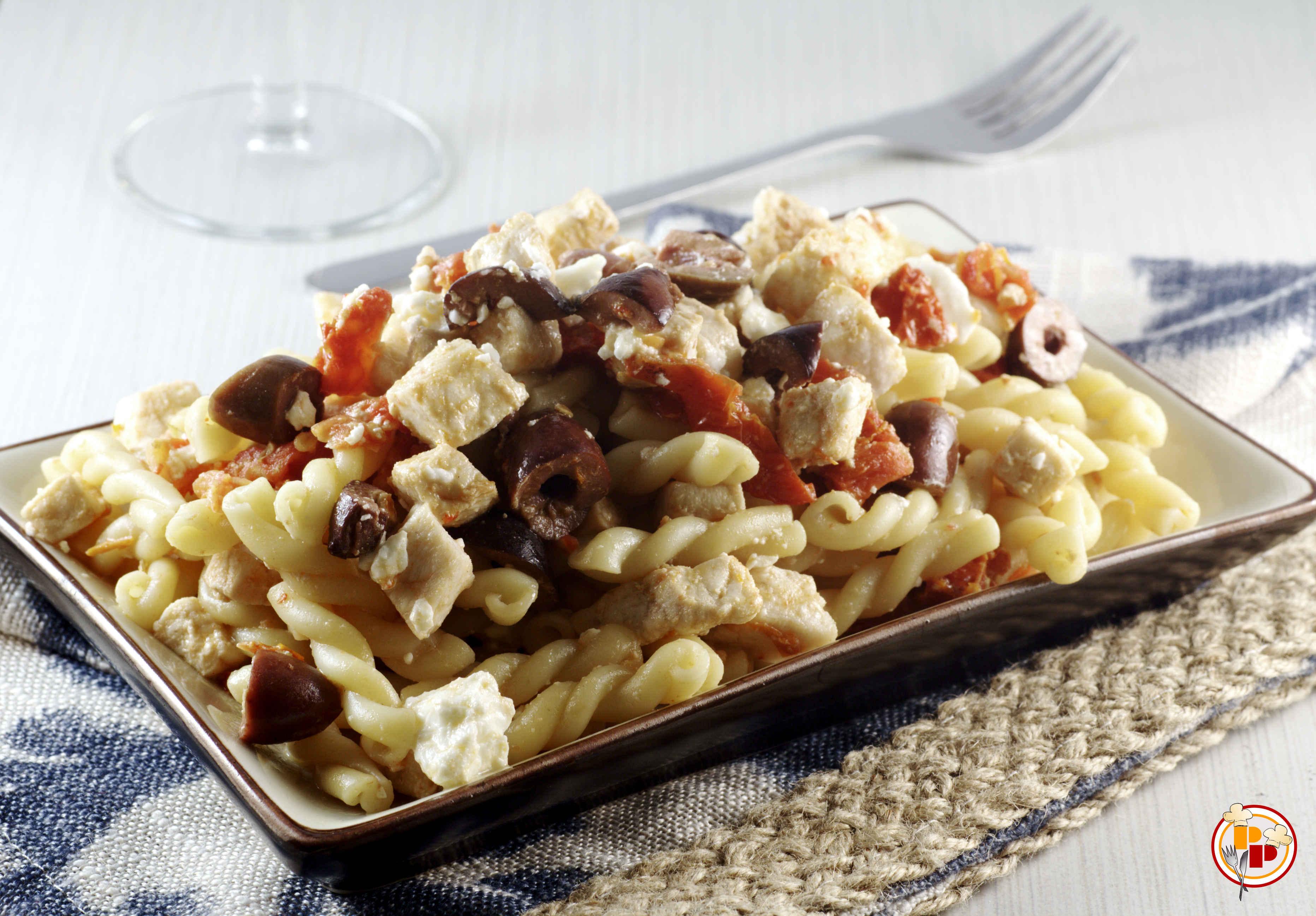 Pasta al Pesce Spada, Olive e Pomodori Secchi