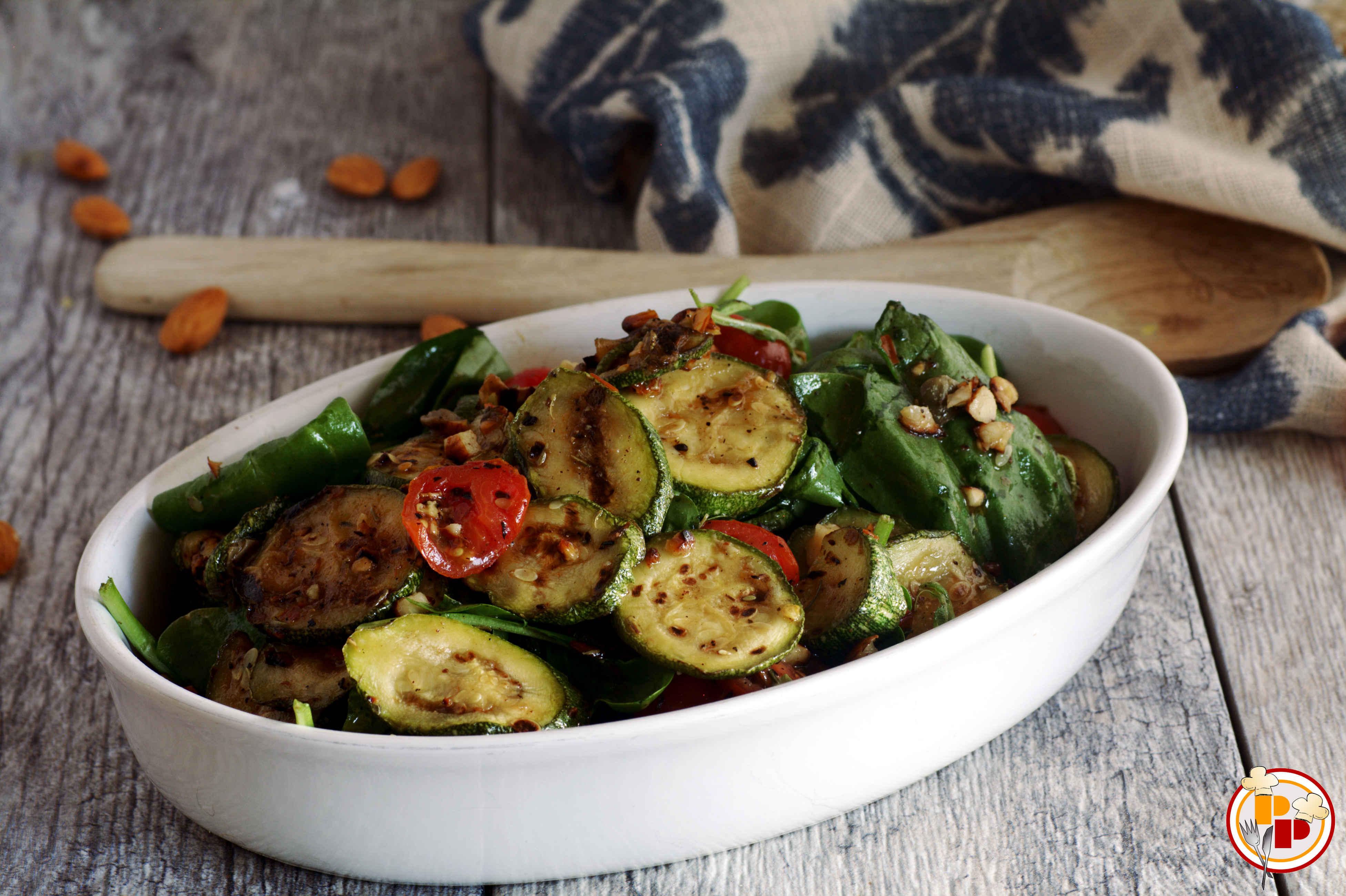 Insalata di Zucchine Grigliate con Mandorle Tostate