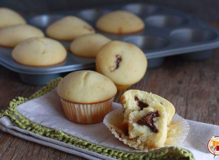 Muffin allo Yogurt con Cuore di Nutella