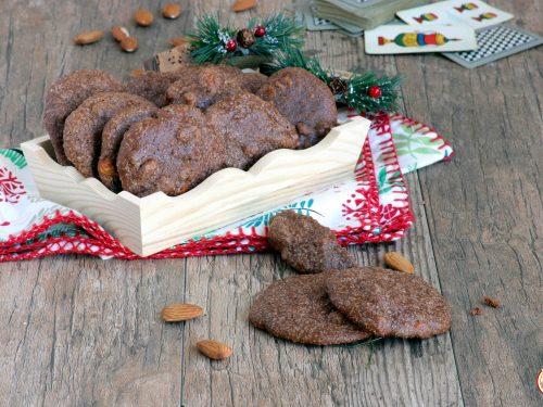 Biscotti di Natale con Mandorle e Noci