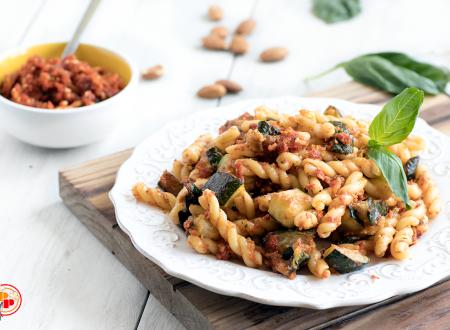 Pasta alle Zucchine e Pomodori Secchi