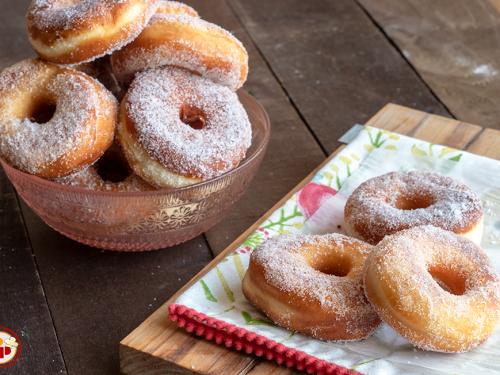Ciambelle Dolci Fritte – donuts senza glassa