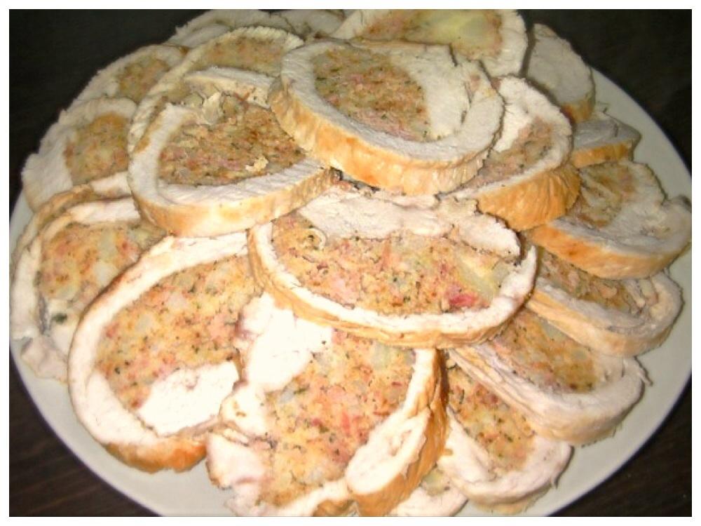 Arrosto di tacchino ripieno di patate e prosciutto