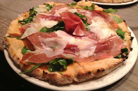 Pizza Prosciutto Crudo, rucola e scaglie di parmigiano